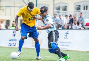 Invisuais jogando Futsal